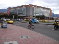 Centro Comercial Iserra 100